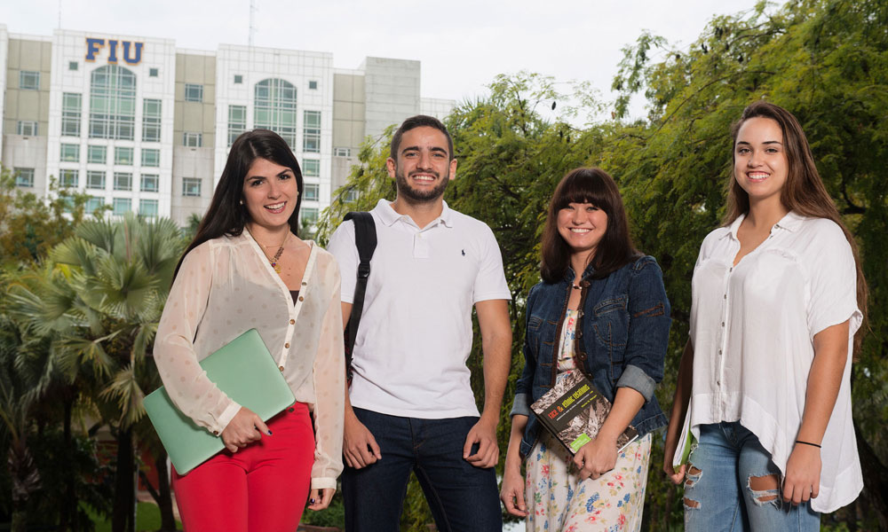 Florida International University (FIU) transfer students on campus.